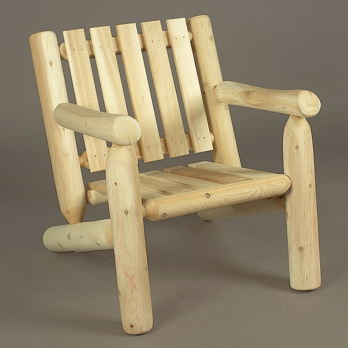 Relax and enjoy the summer in this arm chair